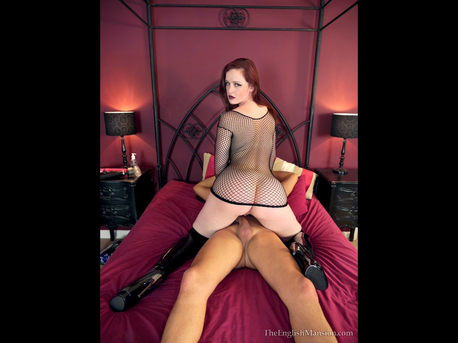 Teasing Slave English Mansion Mistress Vivienne Cuckolding Dominatrix