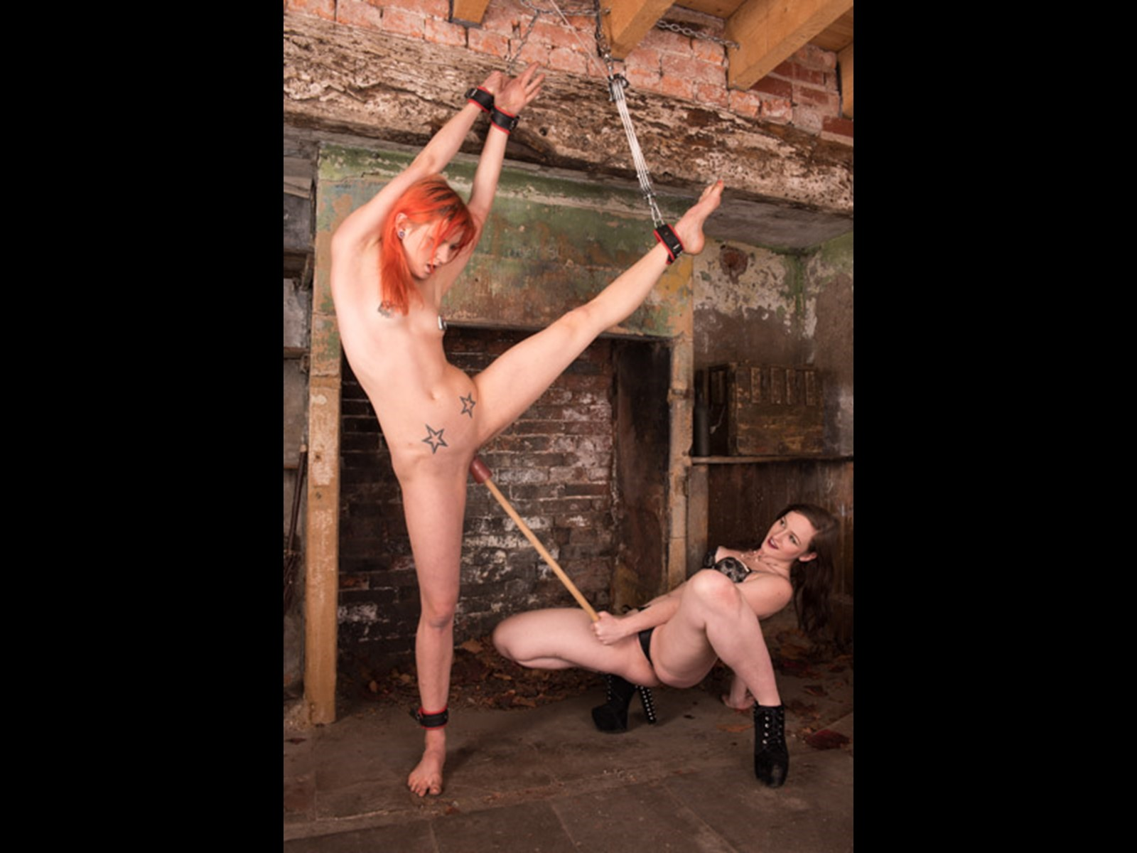 Slave Girl Mistress Derby Dominatrix Goddess Vivienne East Midlands